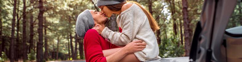 Zunder erstes Date Kuss
